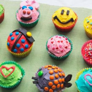 CUPCAKE DECORATING PARTY